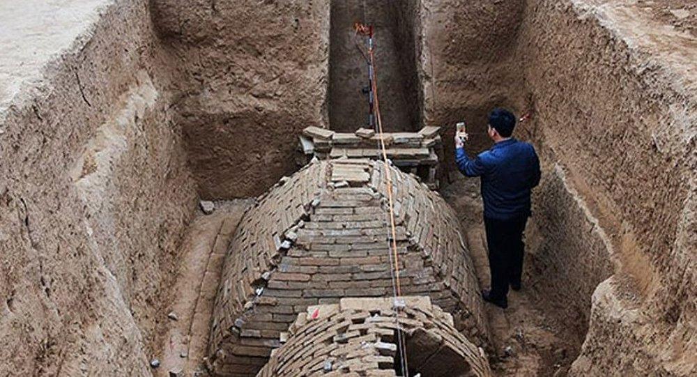 Китайские археологи обнаружили в провинции Хэнань миниатюрную пирамиду