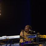 Мультиинструменталист и вокалист из США Ричард Бона