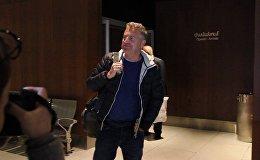 Леонида Агутина встретили корреспонденты Sputnik Армения в аэропорту Звартноц