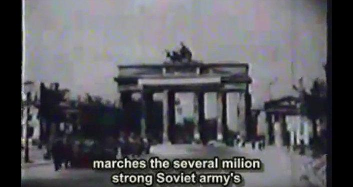 Армяне станцевали кочари у стен Рейхстага в Берлине в 1945 году