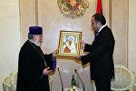 Верховный патриарх и Католикос всех армян Гарегин II встретился с послом Армении в России Варданом Тоганяном