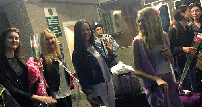 В аэропорту Гюмри встретили участниц конкурса Мисс СНГ