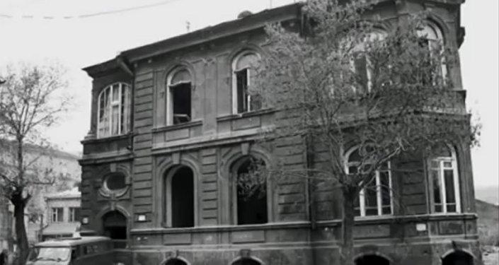 Улица Вазгена Саргсяна. Здание лимонадной фабрики Ласто Хачатура Гиланяна