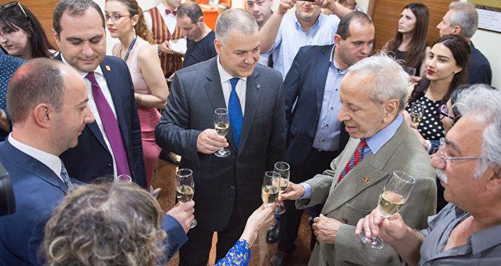 Открытие новой тенически оснащенной рабочей комнаты в Палате  пдвокатов Армении