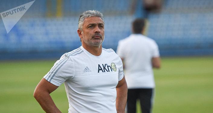 Главный тренер команды Алашкерт Абраам Хашманян