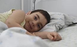 Состояние упавшего с четвертого этажа ребенка оценивается как удовлетворительное