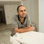 Артак Манучарян Около 8 лет работает строителем.  - Когда был маленьким, ни к чему особо не стремился.  Очень любит свою работу и ничем другим в будущем заниматься не хочет. Именно в этом деле он чувствует себя свободным.