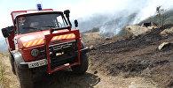 Пожар в Хосровском лесу. Машина МЧС РА
