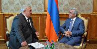 Президент Армении Серж Саргсян и Генсек ОДКБ Юра Хачатуров
