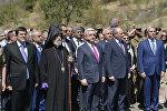 Президент Армении Серж Саргсян на открытии дороги в Карабах