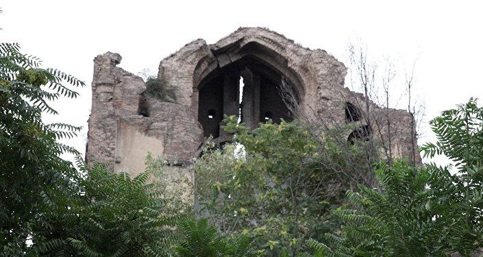 Армянская церковь Шамхорецоц Сурб Аствацацин Кармир Аветаран в Тбилиси