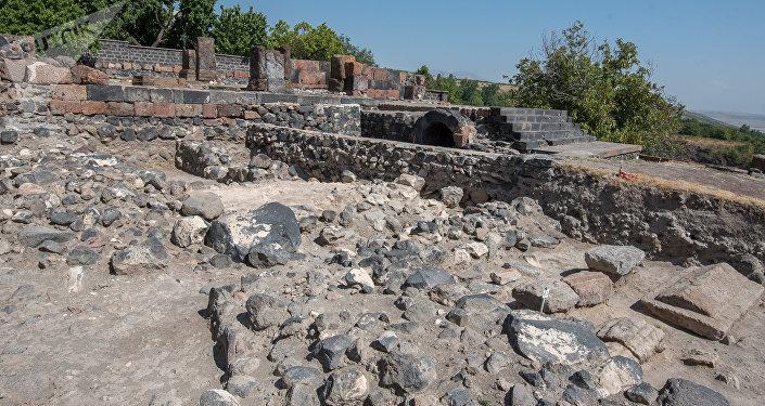 Археологические раскопки, архив