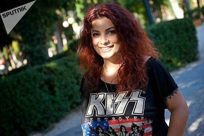 Певица Надин Захарян