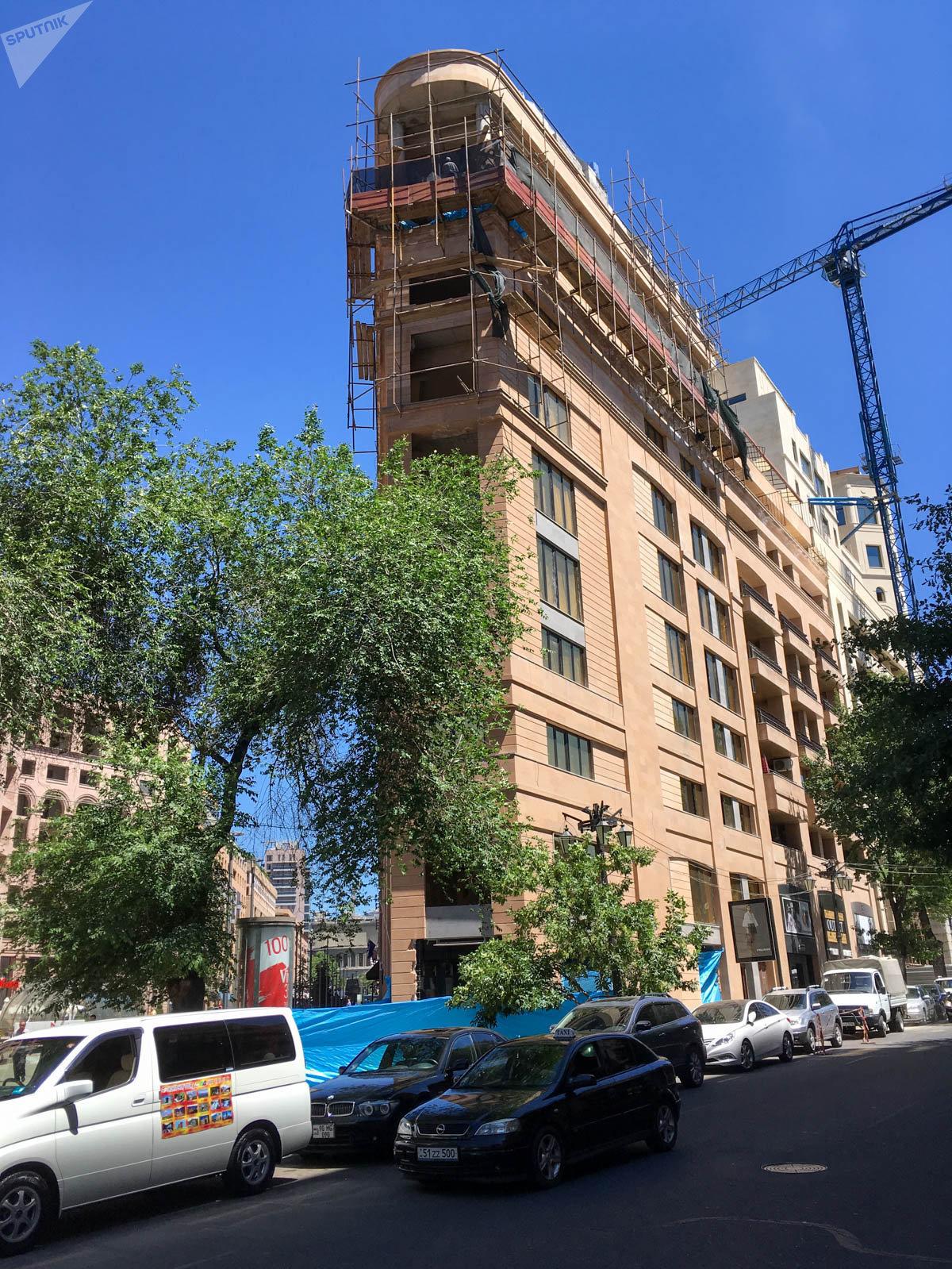 Здания в центре Еревана.