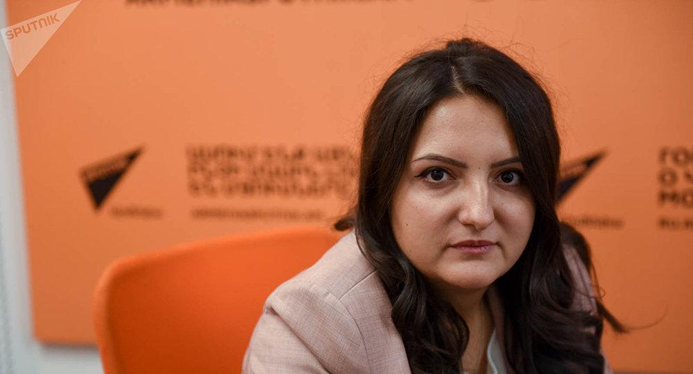Цовинар Костанян в гостях у радио Sputnik Армения