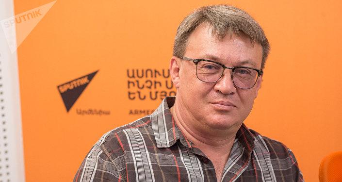 Роман Барон в гостях у радио Sputnik Армения