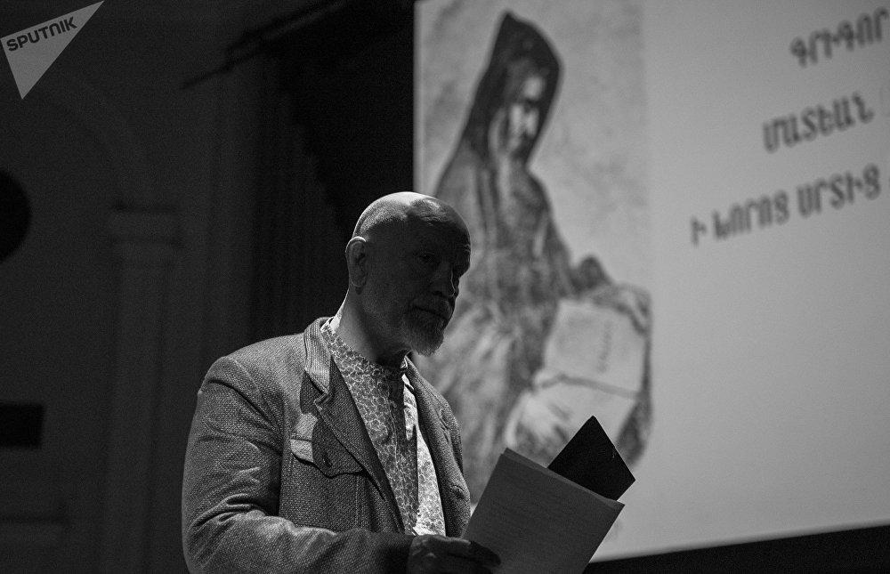 Джон Малкович. Выступление в Ереване
