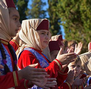 На празднике Амшен выступали народные армянские коллективы.