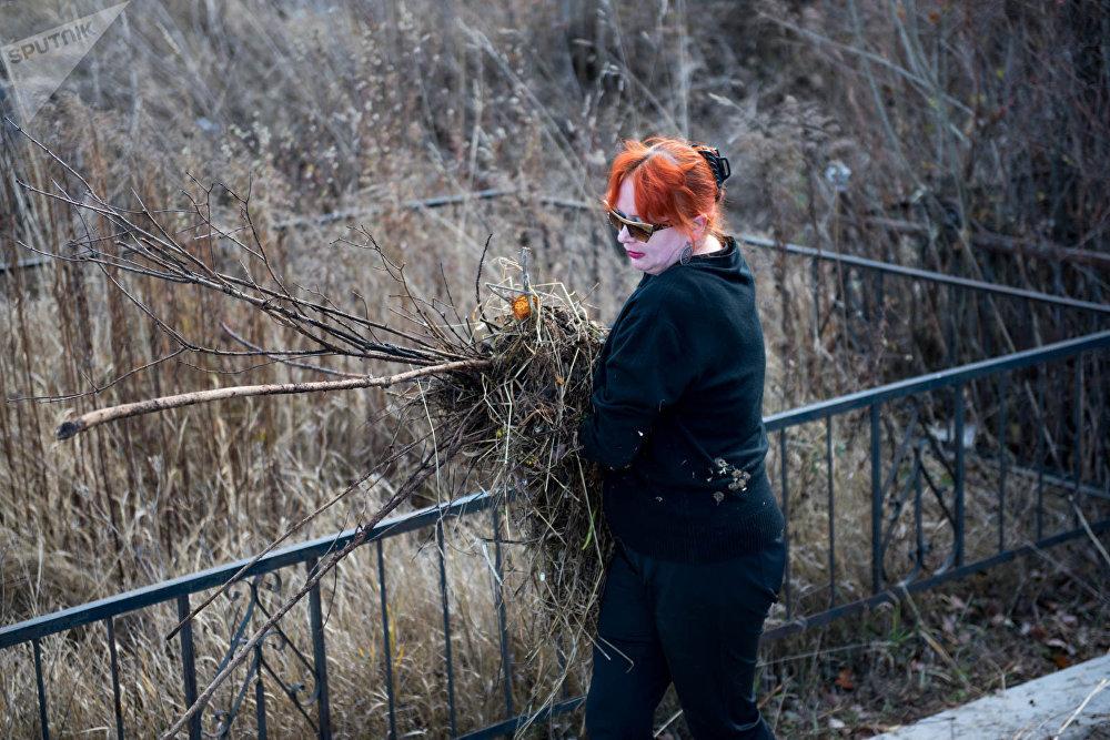 Уборка заброшенных казацких кладбищ в Степанаване.