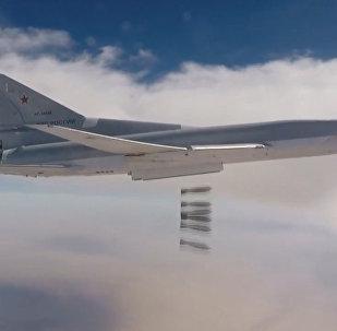 Атака бомбардировщиков Ту-22М3 на позиции ИГ* в Аль-Букемаль