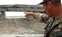Армянский военнослужащий на боевой позиции