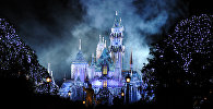 Замок Спящей Красавицы. Парк Диснейленд, Анахейм Резорт, Калифорния, США