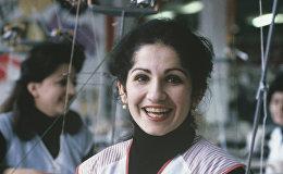 Работница Ереванского трикотажного объединение Анаит Рузанна Айрапетян. 1986г.